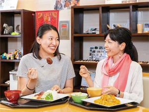 【今月の社食】日本ではなかなか味わうことのできない現地の味を再現