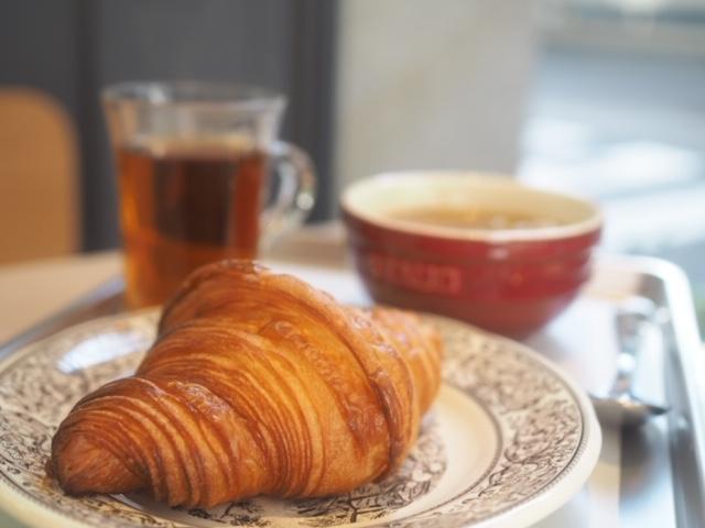 【モーニング】パリ発パン屋で高級バターを使ったクロワッサンを堪能@赤坂