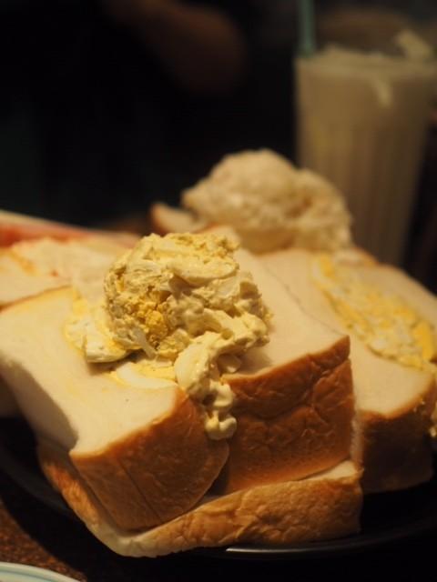 【モーニング】名物サンドイッチが大きすぎる。でも美味しい!@銀座