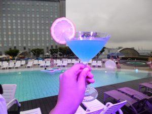 【編集部ブログ<大阪>】夜景を眺めながらオトナのプール遊びを♪