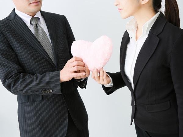 社内恋愛、知りたい? 知りたくない? 職場のリアルな恋愛事情
