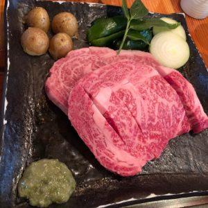 【肉食女子】北海道の大自然眺めながらの和牛レストラン~ログハウスびび~