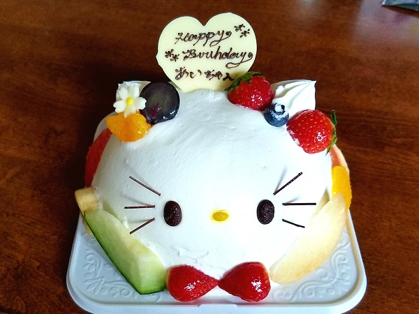 ★【キティ好き必見!】食べるのがもったいない!激カワ誕生日ケーキ!★