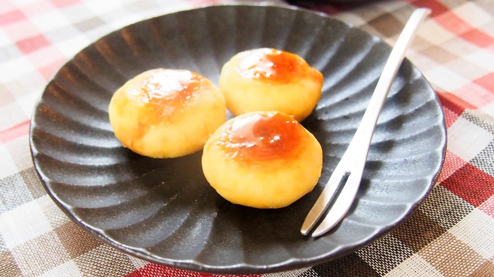 自家製みたらしだれをかけた、ほんのり甘い「サツマイモもち」が絶品!離乳食にも