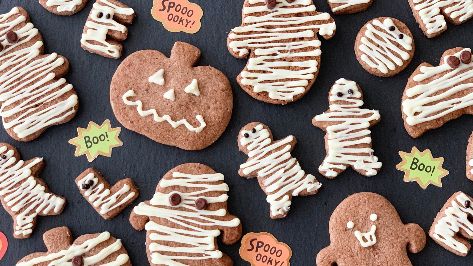 デコペンは白だけでOK!超簡単ぐるぐるミイラ風ハロウィーンクッキー♪