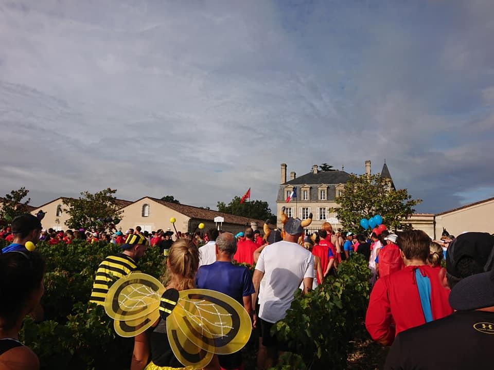 【フランス旅】シャトーを巡りワインを飲みながら走る!メドックマラソン