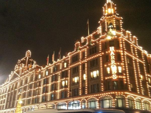 クリスマスシーズンが素敵☆ロンドン一人旅 Harrodsへ♪