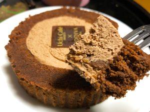 速攻で食べてみた!【ローソン×GODIVA】250万個売れたあの最強ロールケーキが奇跡の復活