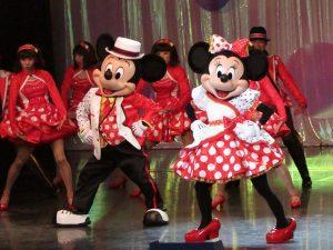 ミニーマウスの魅力200%!  新レビューショー「イッツ・ベリー・ミニー!」