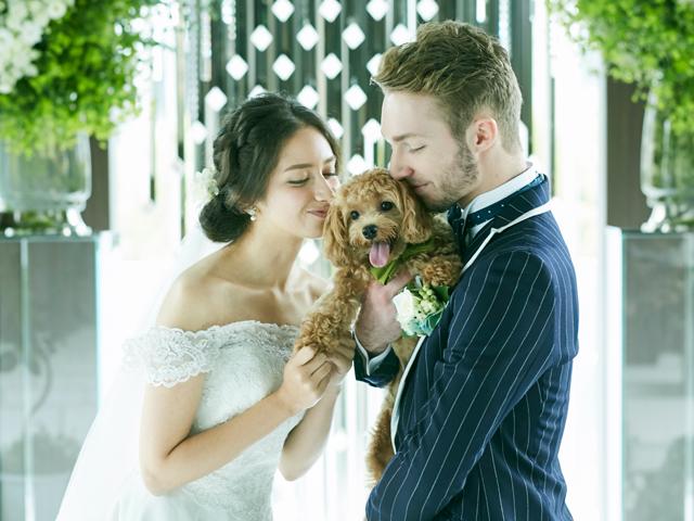 可愛いペットと一緒に思い出を! 大切な家族にお留守番させない結婚式場とは?