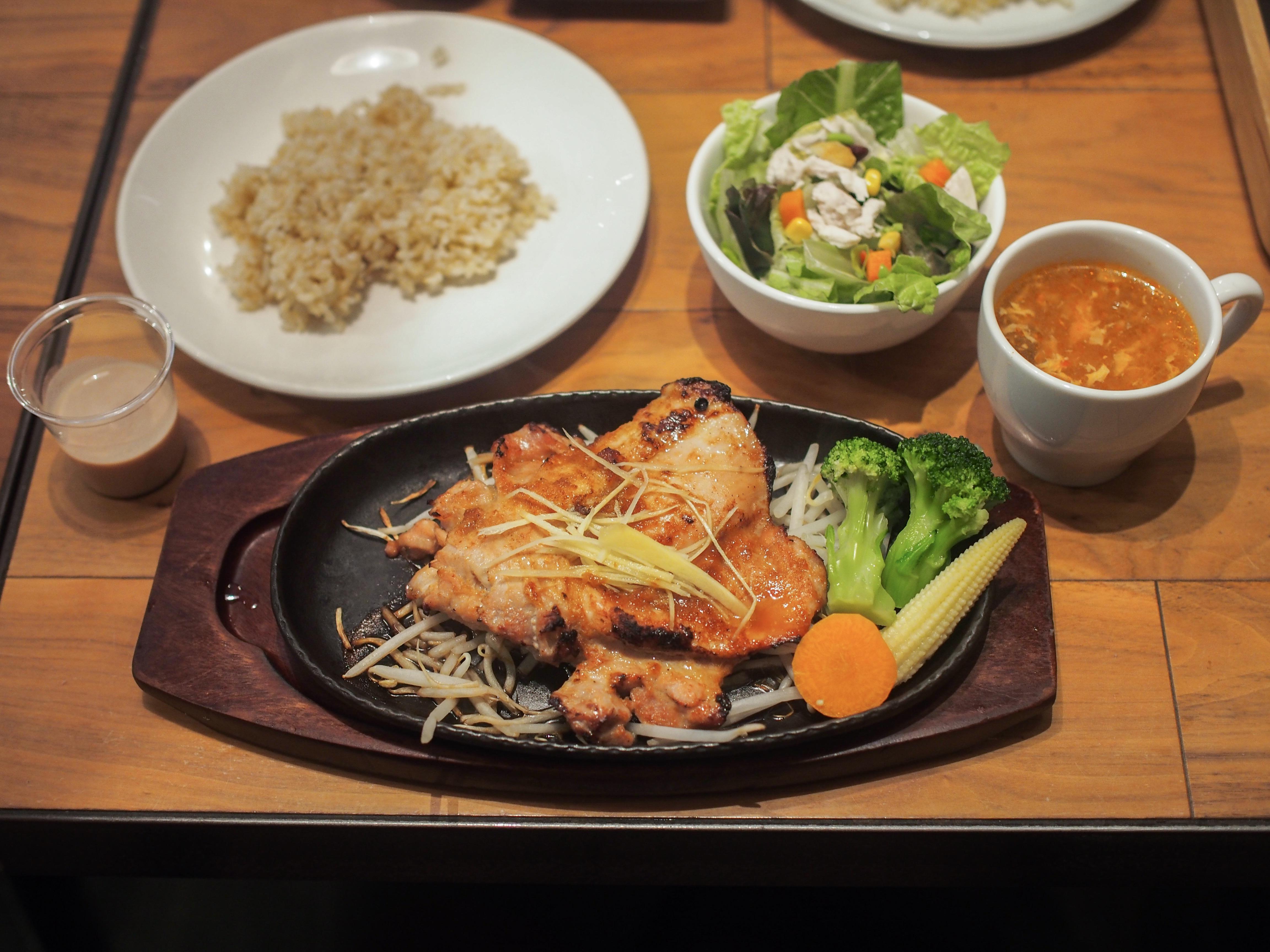 【六本木】高たんぱく質な食事が味わえる「筋肉食堂」に行ってみた